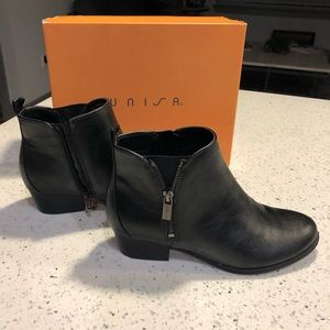 Unisa Zipper Ankle Boots